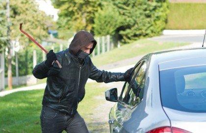 האם רכב שנגנב בעודו מונע מכוסה בפוליסת מקיף ?
